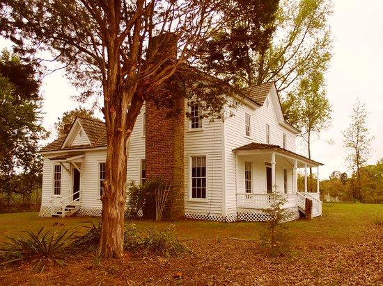 Historic Wynne-Russell House in Lilburn, GA